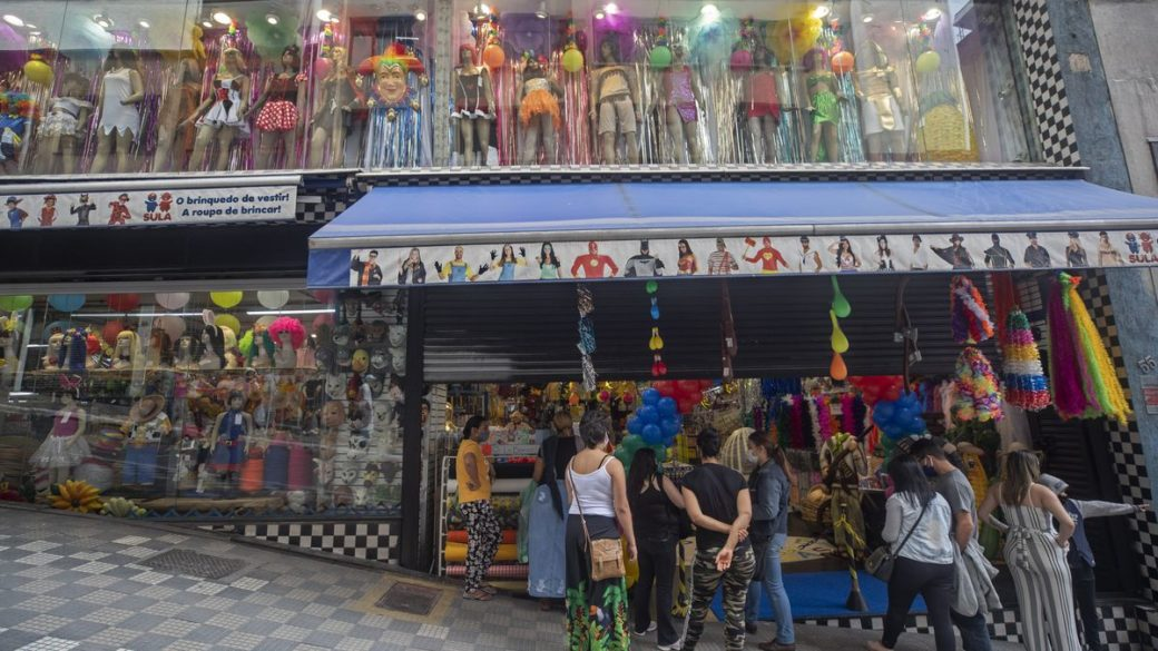 Retailing Market in Brazil is Reopening in Biggest Cities But Covid-19 Is Surging